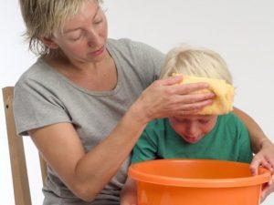 Тошнота, рвота, ребенок, мать