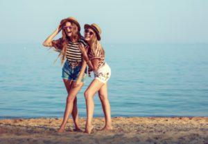 Девушки на пляже казино